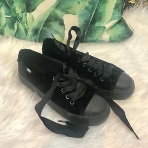Rare black velvet sneakers with satin lace up EC